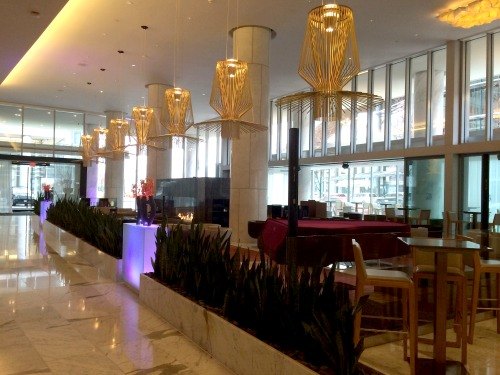 Lobby-Bar-at-Fairmont-Pacific-Rim